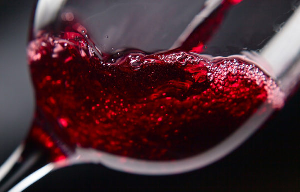 Rotwein aus der Region Abruzzen